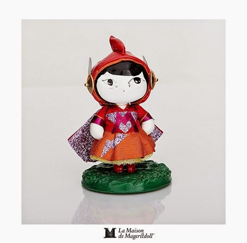 MAGERITDOLL SUPERHEROINE RESIN ART TOY from SPAIN (1)