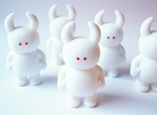 softvinyl_uamou_flocked_white_rabbit