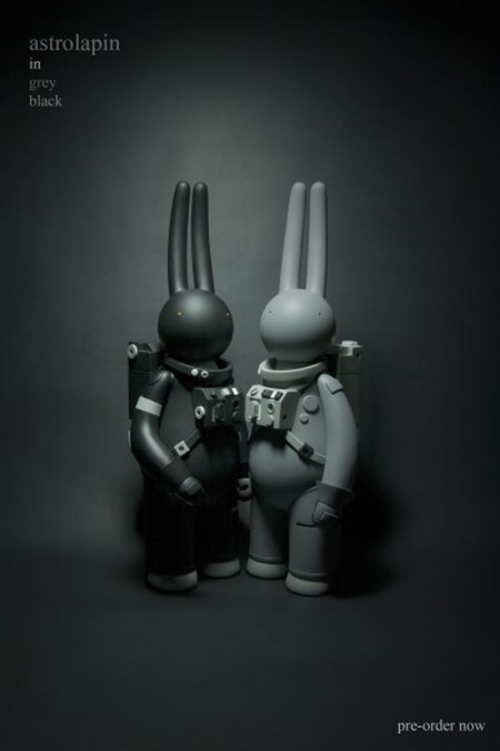 astrolapin-in-black-in-grey-2014-400x600
