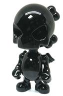 sculpture-skullhead-black-porcelain-by-huck-gee