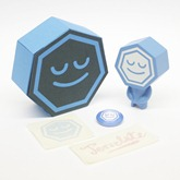 figure_box_stickers_badge